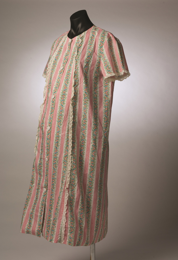 <span>Sylvia Parsons</span>Dressing gown 1956