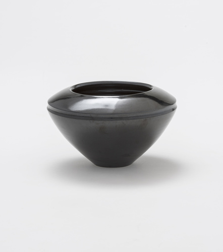 <span>Lyn Conybeare</span>Untitled [large bowl] undated