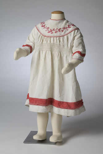<span></span>Pinafore dress 19th Century