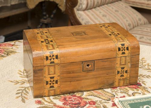 <span></span>Box